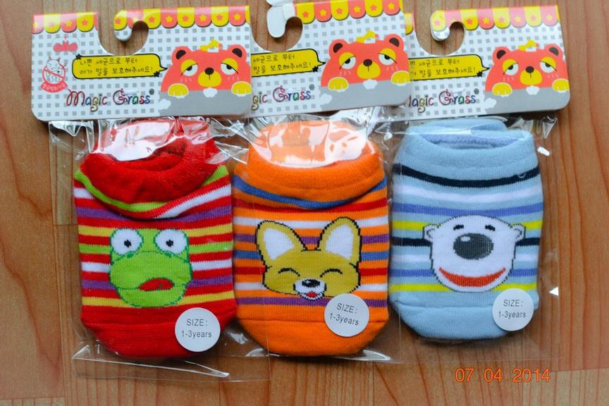U029-3**พร้อมส่ง** (ปลีก+ส่ง) ถุงเท้าเด็ก วัย 1-3 ขวบ ลายการ์ตูนน่ารัก พื้นมีกันลื่น เนื้อดี งานนำเข้า ( Made in China)