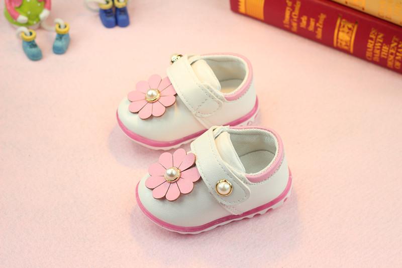 รองเท้าเด็กอ่อน 0-12เดือน รองเท้าเด็กชาย เด็กหญิง สีขาวดอกชมพู