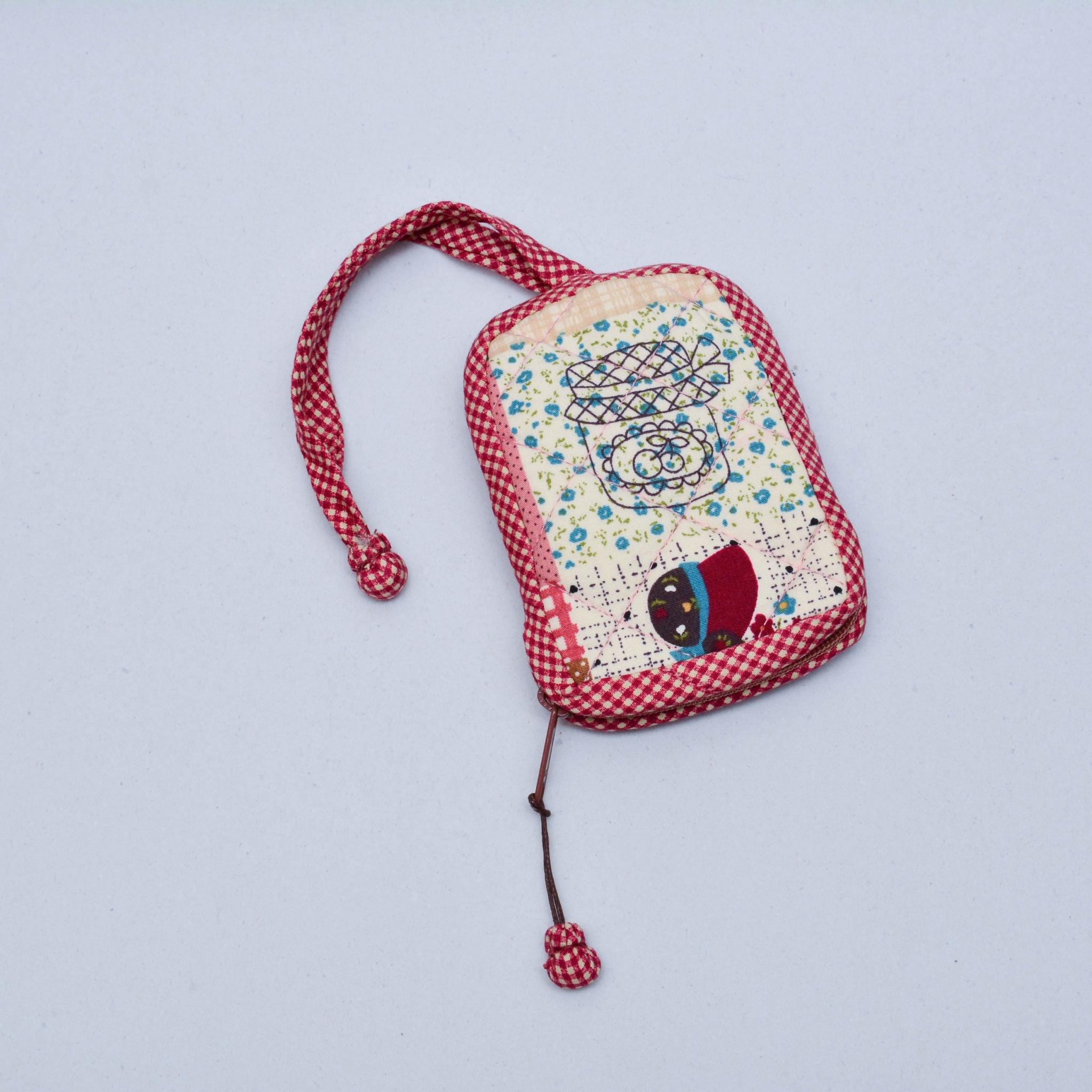 กระเป๋าใส่กุญแจ สีแดง No.04