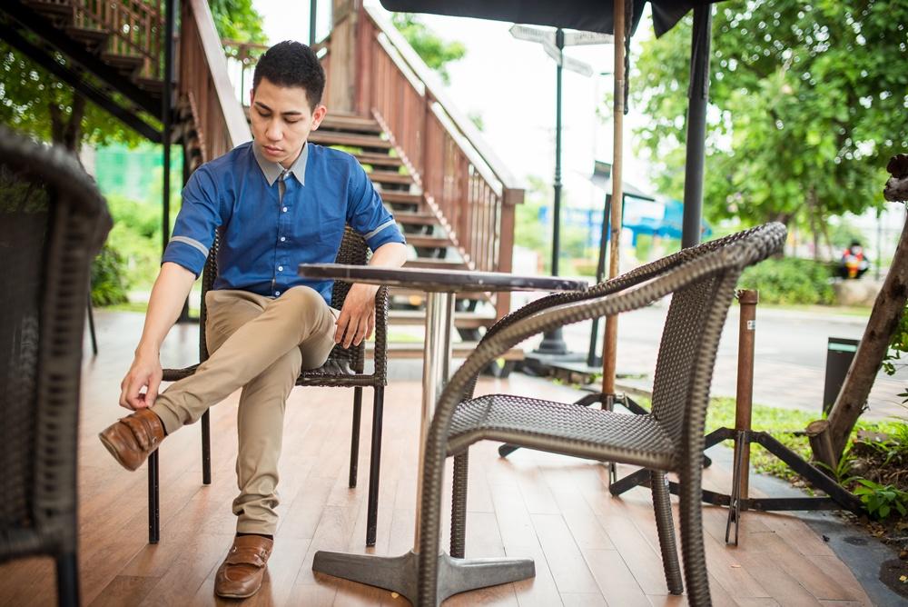 เสื้อเชิ้ตผู้ชาย สีน้ำเงิน รุ่นไล่สี