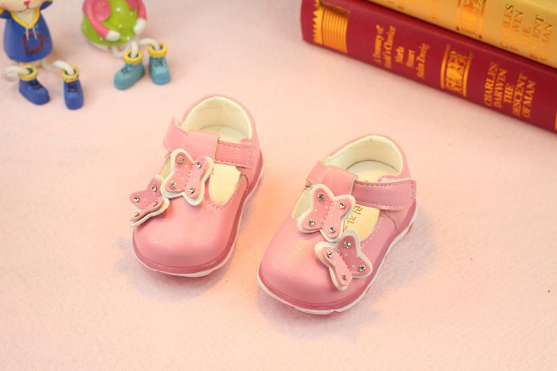 รองเท้าเด็กอ่อน 0-12เดือน รองเท้าเด็กชาย เด็กหญิง สีชมพูลายผีเสื้อ (มีไฟที่พื้นด้วยจ้า)