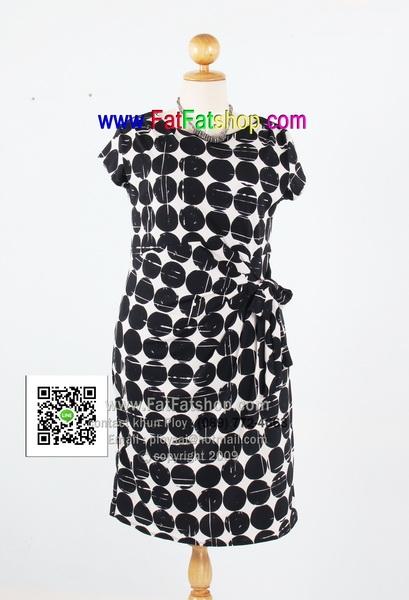 f008-42-44-ชุดเดรสขาว-ดำไซส์สาวอวบ ผ้าเกาหลีพิมพ์ลายขาว-ดำ ผูกแต่งโบว์ด้านข้าง รอบอก 40 - 44 นิ้ว