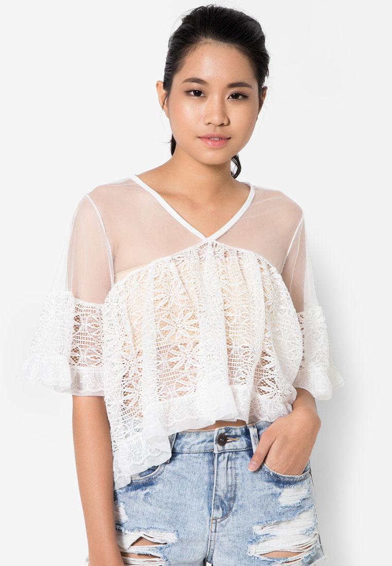 เสื้อเบลาส์ See-Through Lace Ruffle