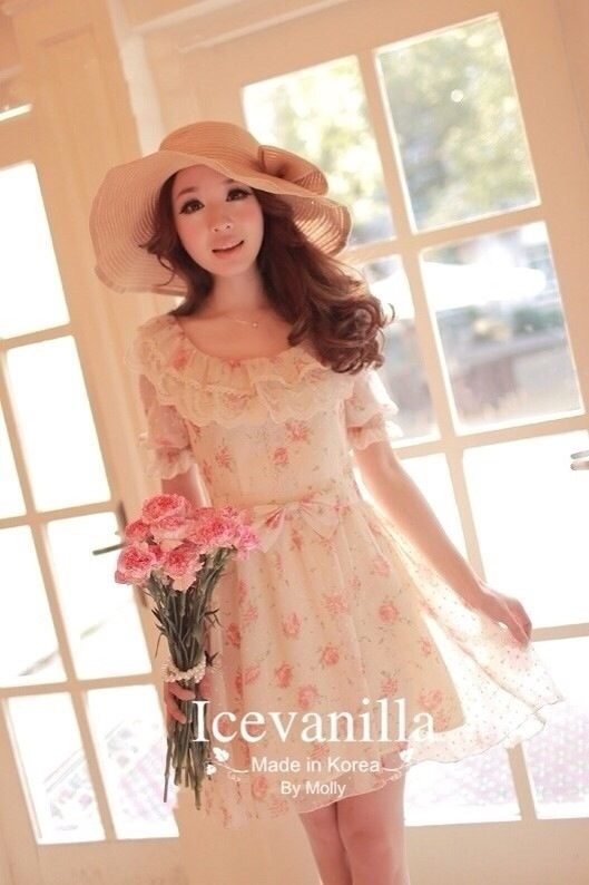 Ice Vanilla Princess Dress เดรสชีฟองแต่งผ้าลูกไม้ ลายดอกสีหวาน
