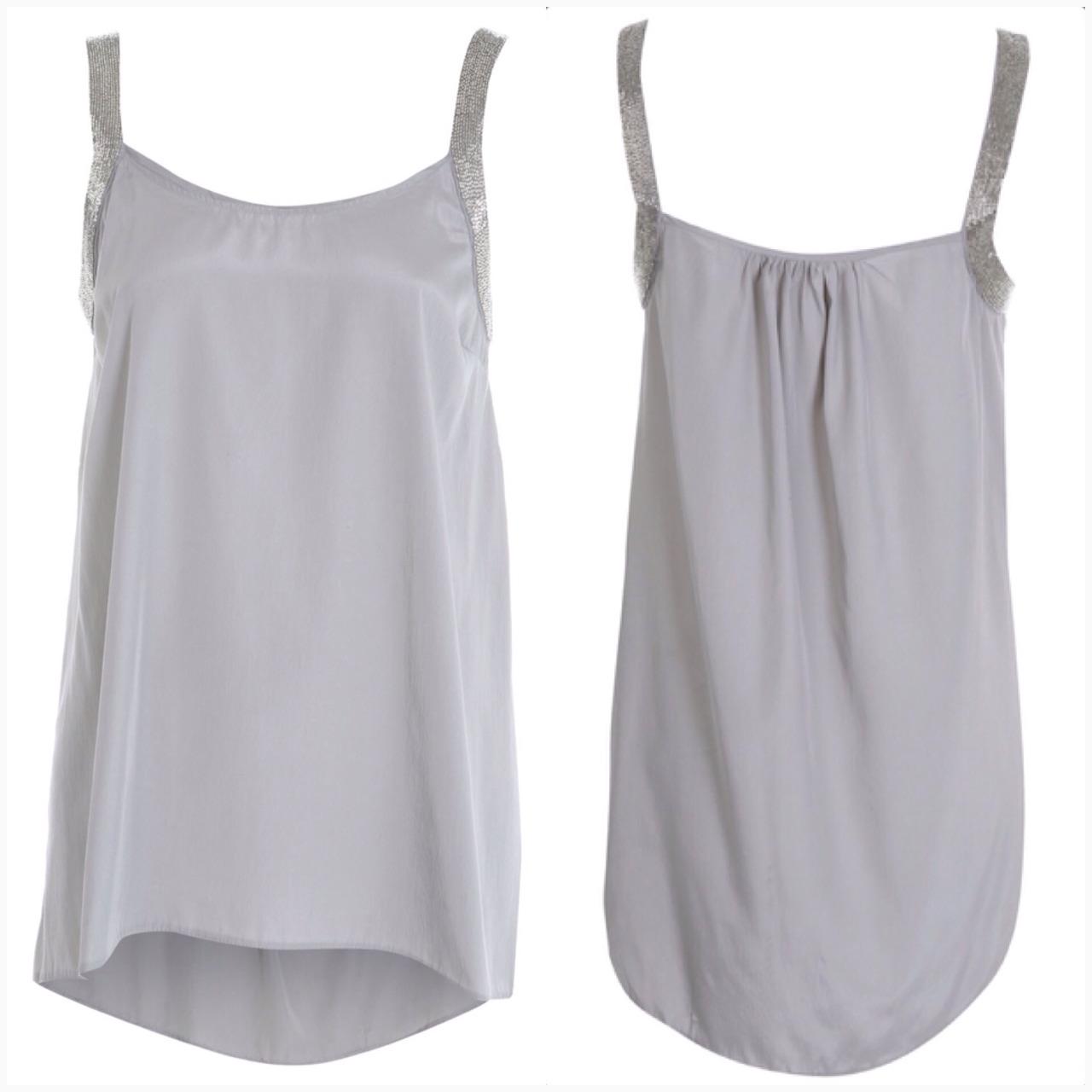 เสื้อสีเทา ผ้า silk ผสม ด้านบนแขนเสื้อปักดิ้นเงิน ไชส์ uk 12